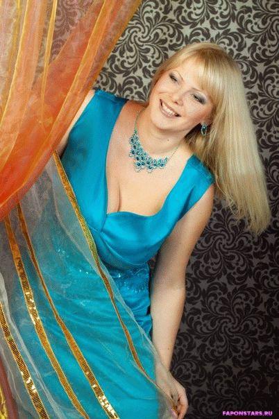 Алена Шайтарова в откровенном наряде