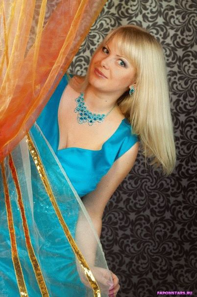 Алена Шайтарова на сцене