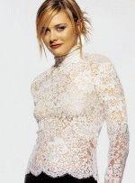 Алисия Сильверстоун в прозрачном кружевном платье полуголая