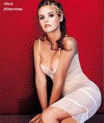 сексуальное глубокое декольте Алисии Сильверстоун выглядет весьма откровенно и вызывающе