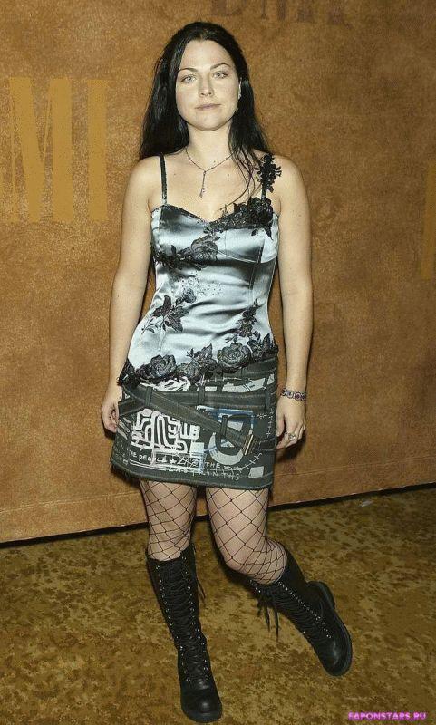 Amy Lee / Эми Ли в нижнем белье