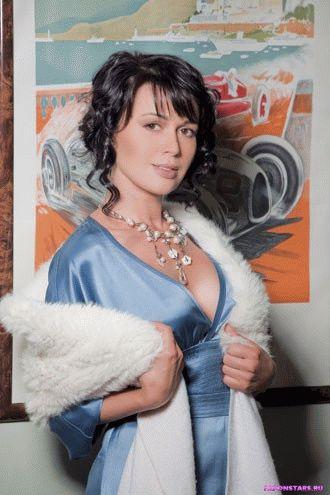 Анастасия Заворотнюк фото из журнала maxim