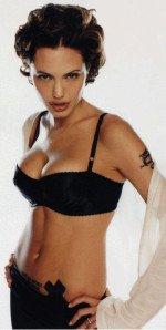 Анжелина Джоли полуобнаженная в нижнем белье