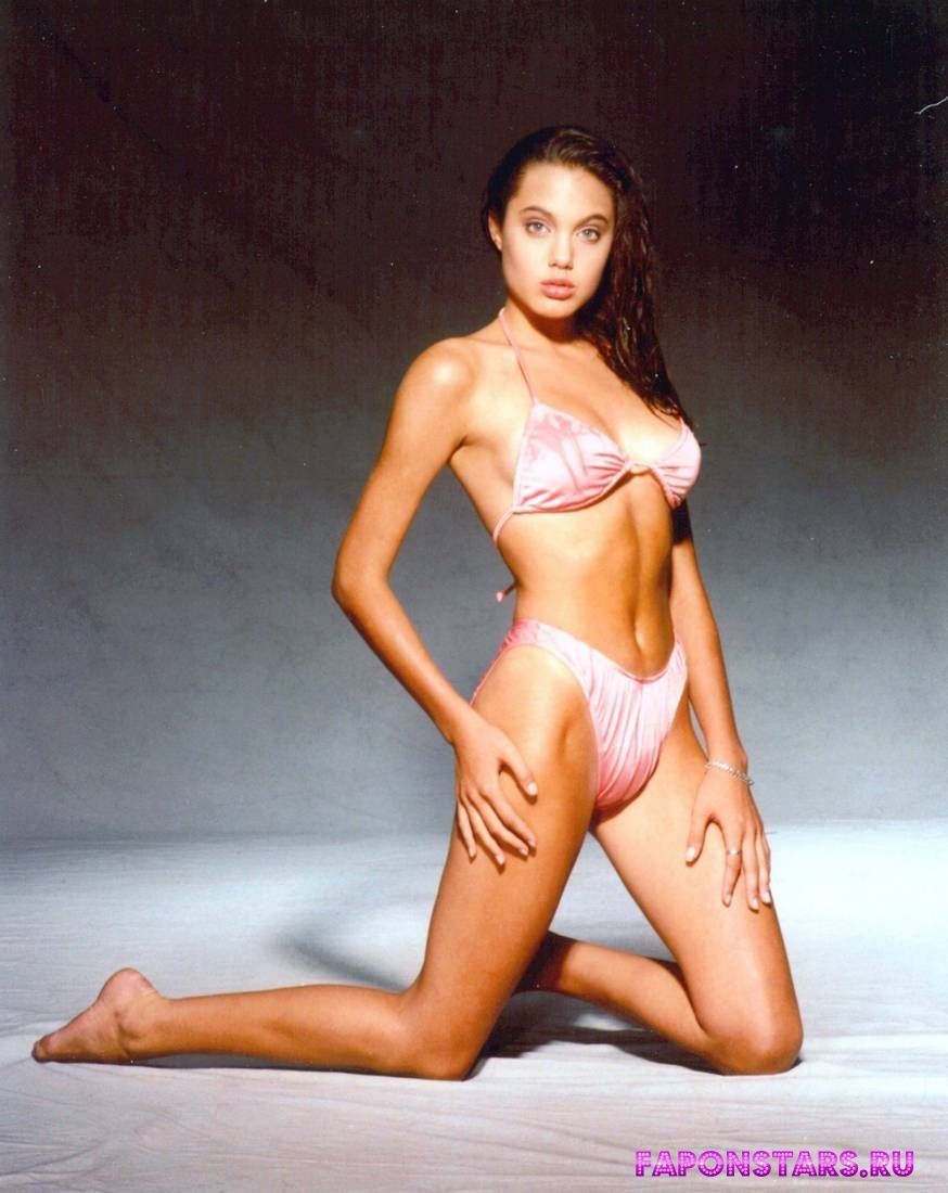 Angelina Jolie / Анджелина Джоли эротика