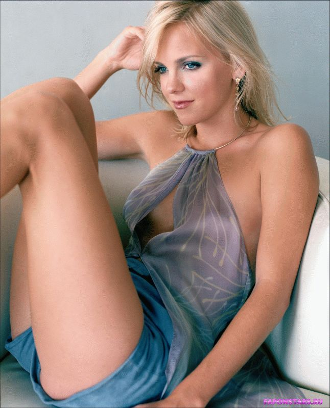 Anna Faris and her beautifull legs so sexy and erotic