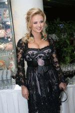 Анна Семенович голая обнаженная сексуальная декольте