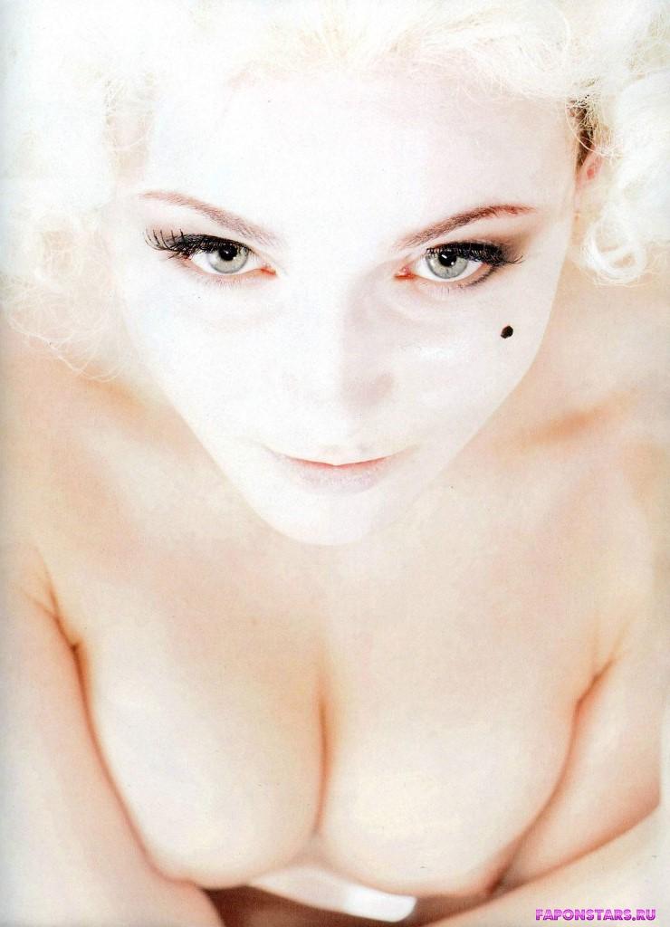 Анна Снаткина на отдыхе в купальние