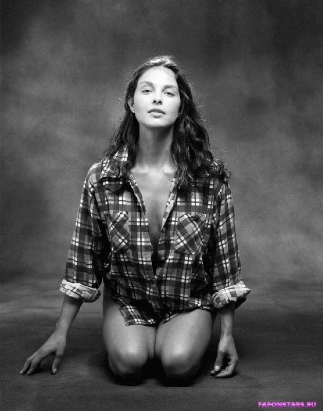 Ashley Judd / Эшли Джадд фото в стиле ню