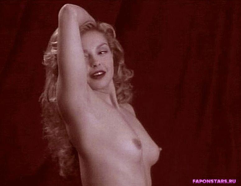 Ashley Judd / Эшли Джадд в нижнем белье