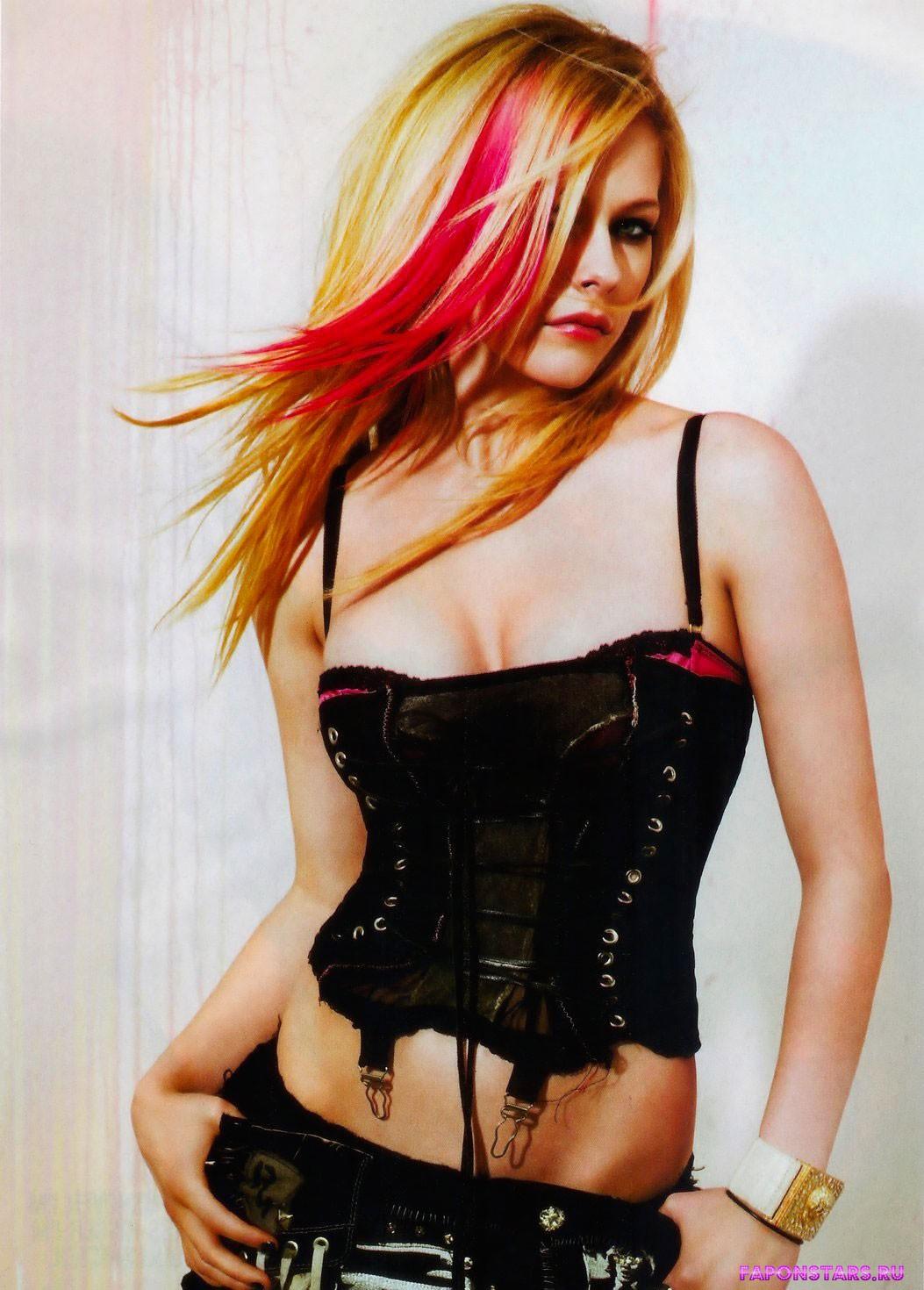 Avril Lavigne / Аврил Лавин в журнале