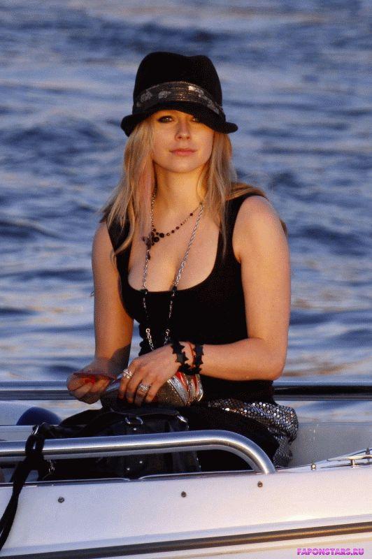 Avril Lavigne / Аврил Лавин в дорогом красивом платье