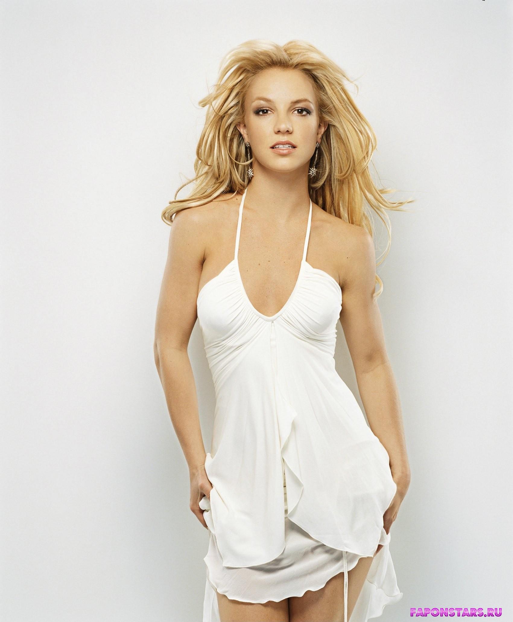 Голые знаменитости Бритни Спирс голая  видео и фото