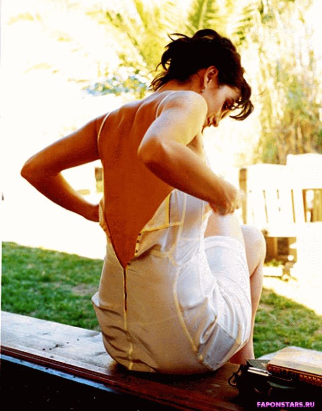 Carrie-Anne Moss / Керри-Энн Мосс домашнее фото