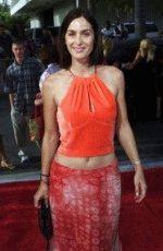 Carrie-Anne Moss / Керри-Энн Мосс голая обнаженная сексуальная декольте