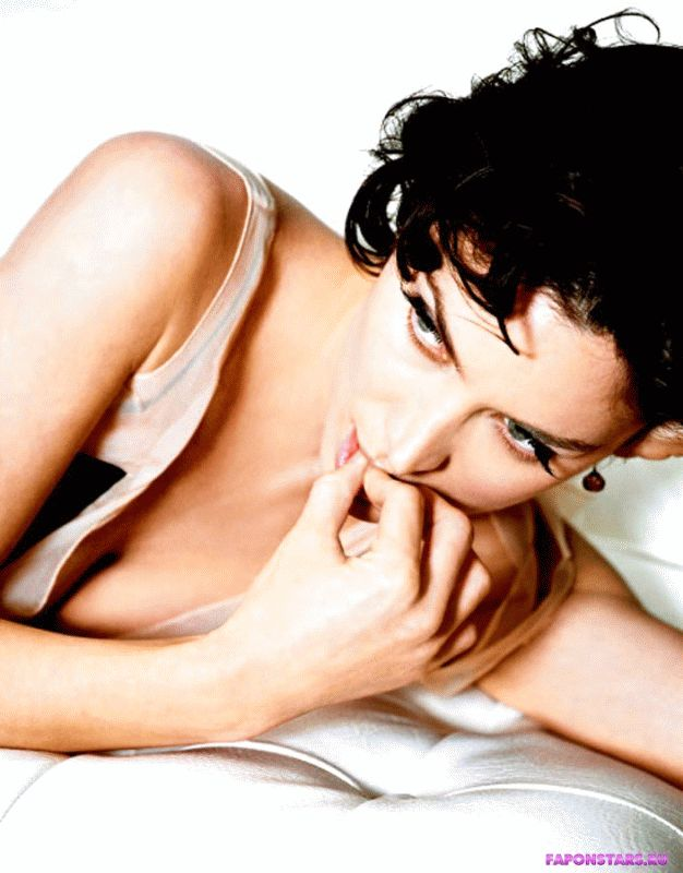 Carrie-Anne Moss / Керри-Энн Мосс сексуальная фото