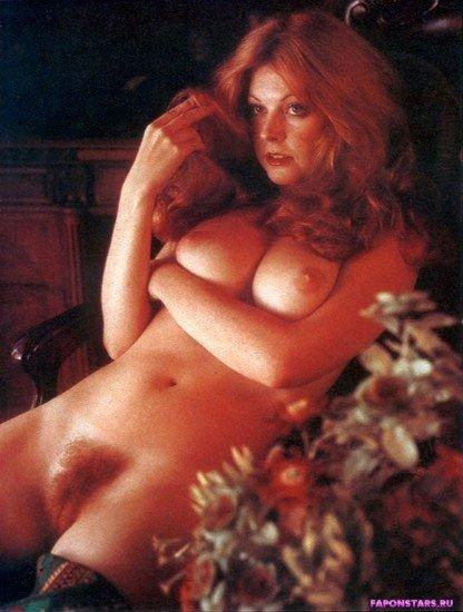 Cassandra Peterson / Кассандра Петерсон голая фото
