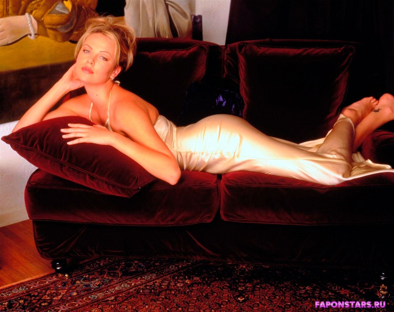 Charlize Theron / Шарлиз Терон фото из журнала maxim
