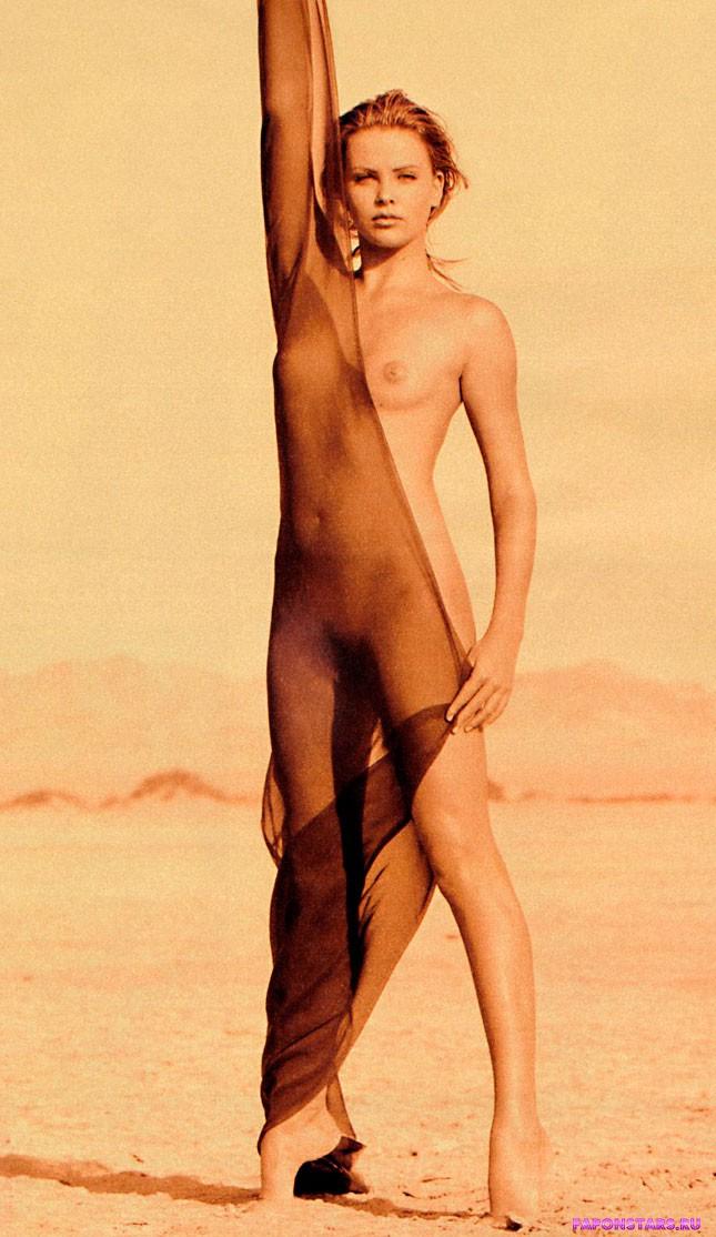 терон фото голая