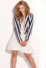 красавица Дианна Агрон в белом легком платье