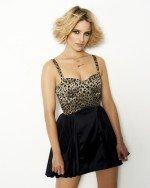 Дианна Агрон в платье с вырезом