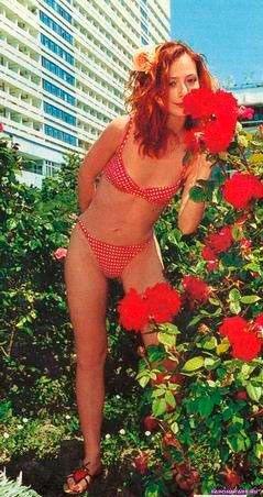 Елена Захарова на отдыхе в купальние