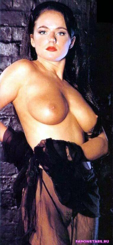 Geri Halliwell / Джери Холлиуэлл обнаженная фото