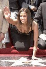 Halle Berry / Хэлли Берри голая обнаженная сексуальная декольте