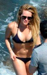 Hilary Duff / Хилари Дафф голая обнаженная сексуальная декольте