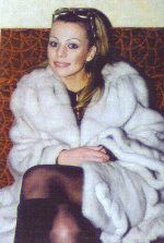 Ирина Салтыкова в дорогой шубе