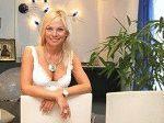 Ирина Салтыков улыбается