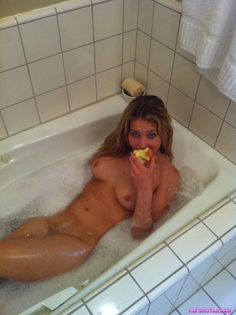 Jennifer Lawrence / Дженнифер Лоуренс фото полуголая секси