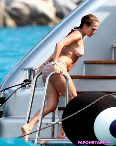 Jennifer Lopez / Дженнифер Лопеc обнаженная фото