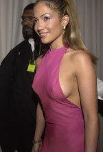 полуобнаженная грудь Дженнифер Лопес очень сексуальна