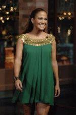 Джей Ло в очень откровенном коротком зеленом платье