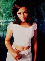 сексапильная красотка Джей Ло в белом платье