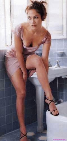 сексуальная Дженнифер Лопес переадевается