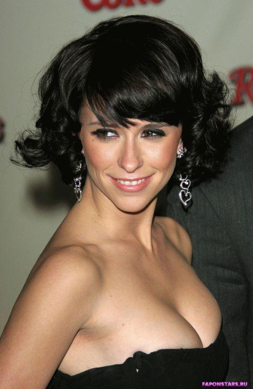 Sarah beeny breast