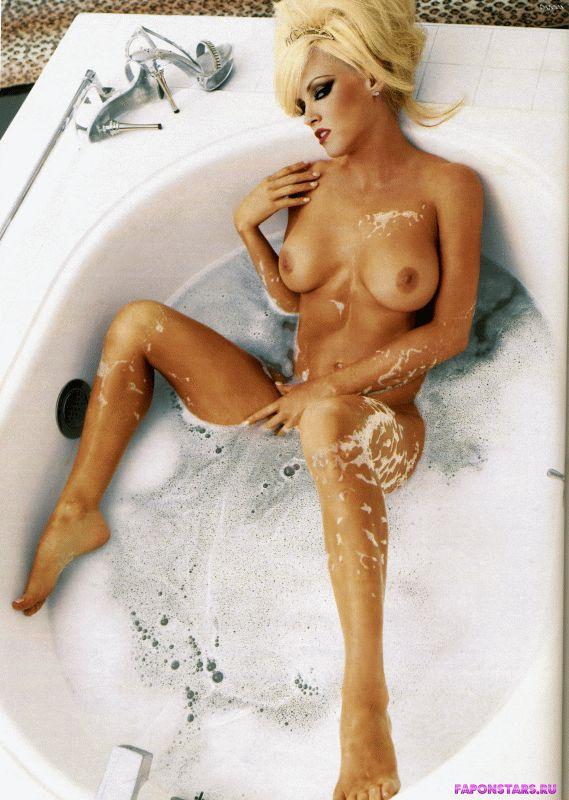 Jenny McCarthy / Дженни Маккарти фото в стиле ню