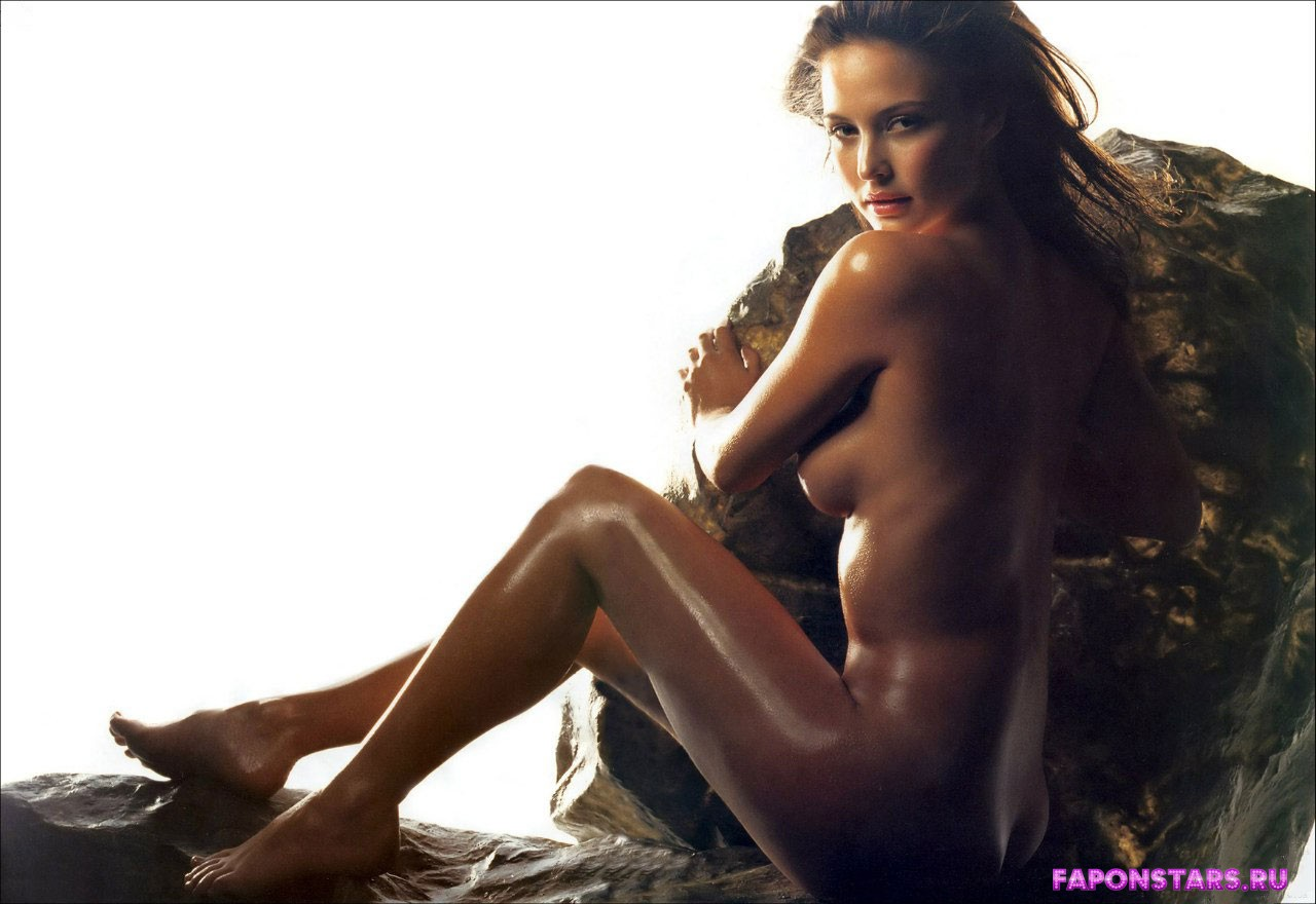 Josie maran nude photo