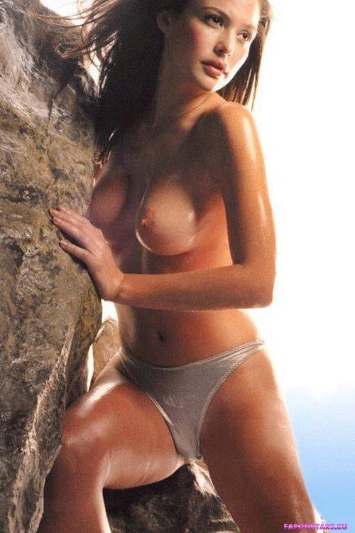 Josie Maran / Джози Маран секси