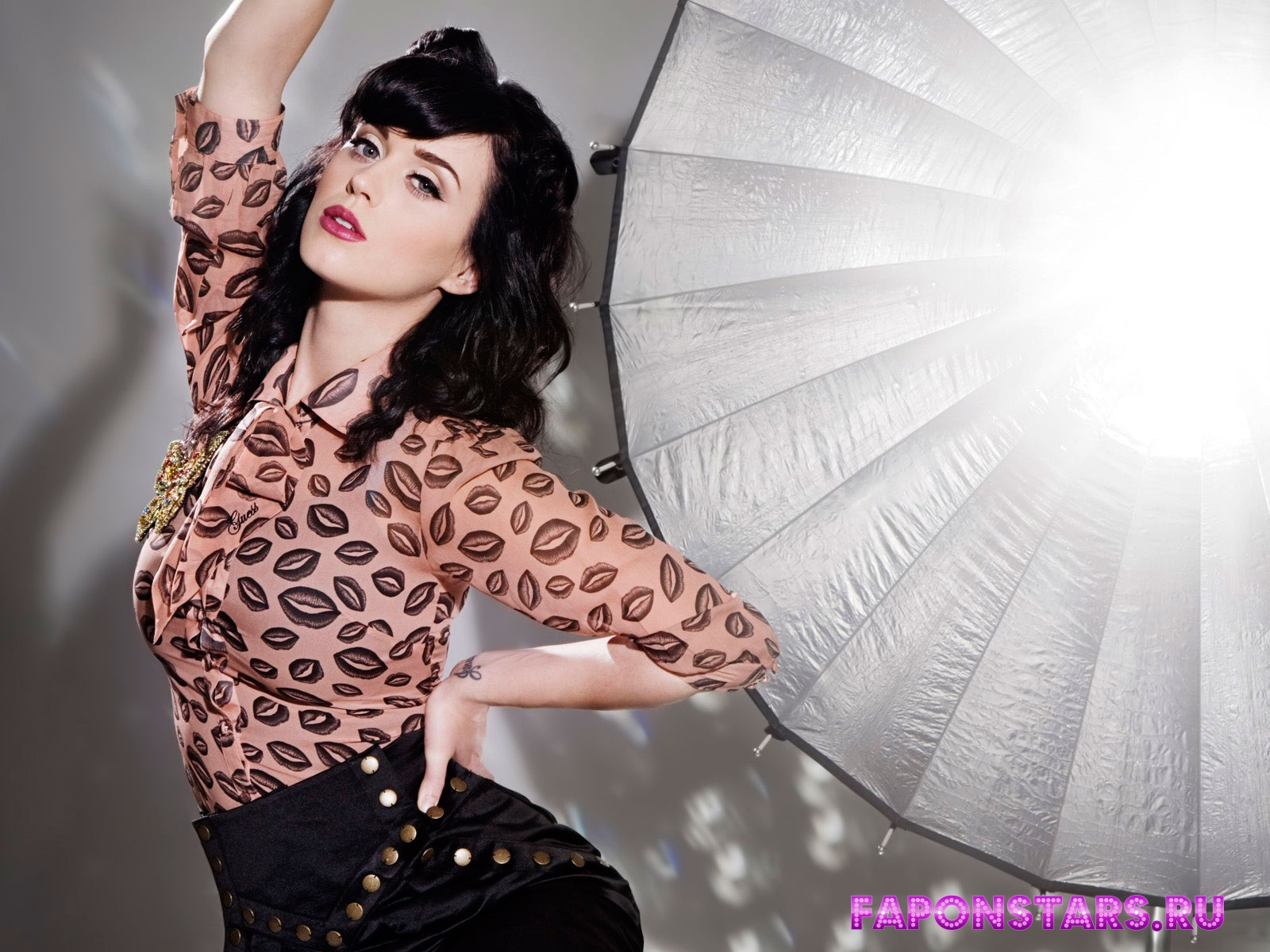 Katy Perry / Кэти Перри на пляже