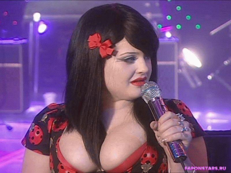 Kelly Osbourne / Келли Осборн в дорогом красивом платье