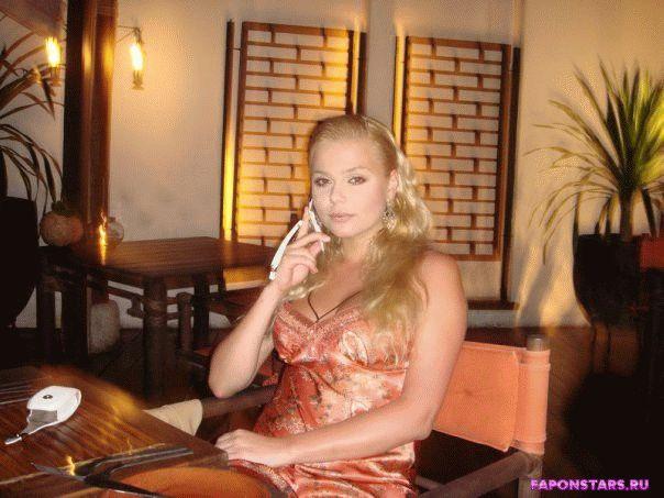 Ксения Новикова домашнее фото