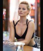 Margot Robbie / Марго Робби голая обнаженная сексуальная декольте
