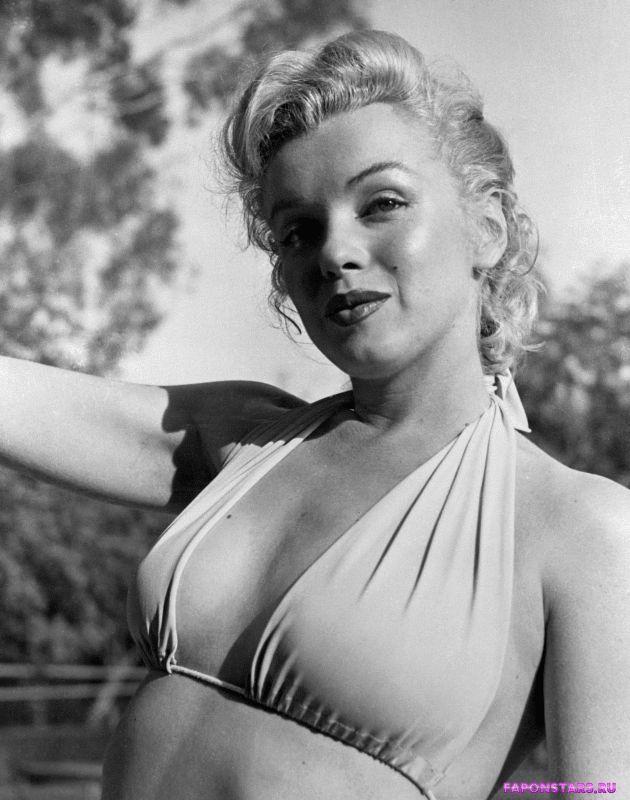 Marilyn Monroe / Мэрилин Монро улыбается и позирует на камеру