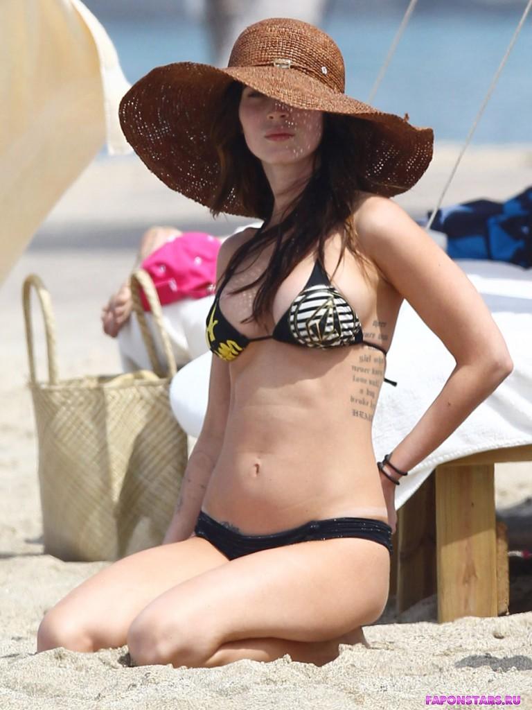 Megan Fox / Меган Фокс на отдыхе в купальние