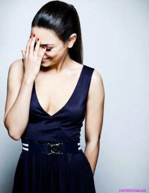 Mila Kunis / Мила Кунис в откровенном наряде