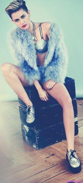 Miley Cyrus / Майли Сайрус фотосессия в эротическом журнале