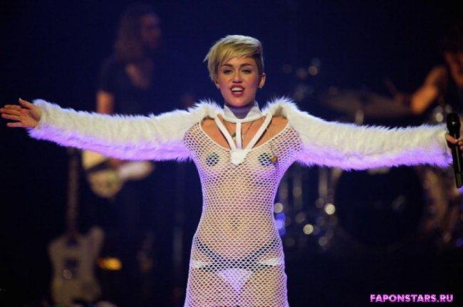 Miley Cyrus / Майли Сайрус фото полуголая секси