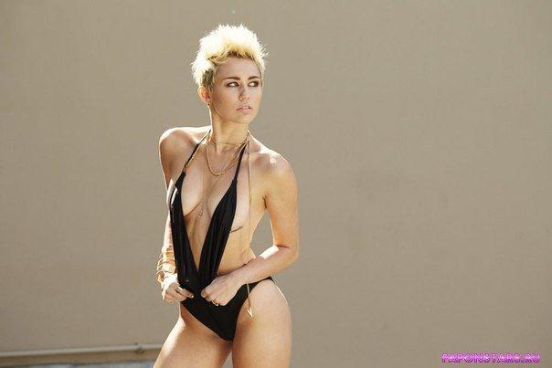 Miley Cyrus / Майли Сайрус интимное фото